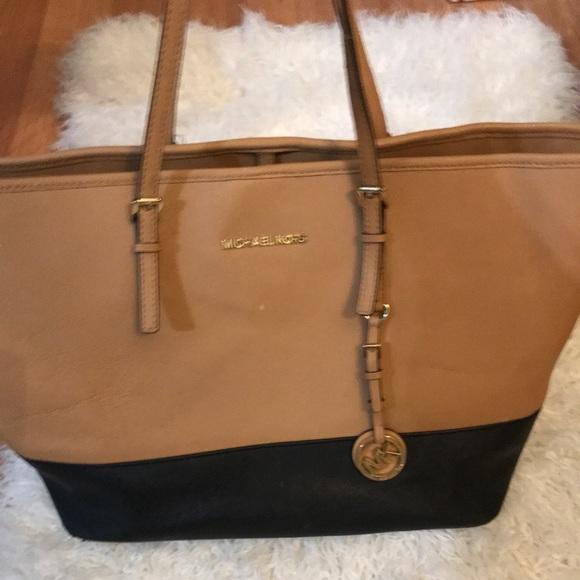 14bec88c3844 Michael Kors Bags | Authentic Black Tan Purse | Poshmark